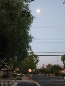 redneckgarage.net moon over 6th St. 2014-09-10